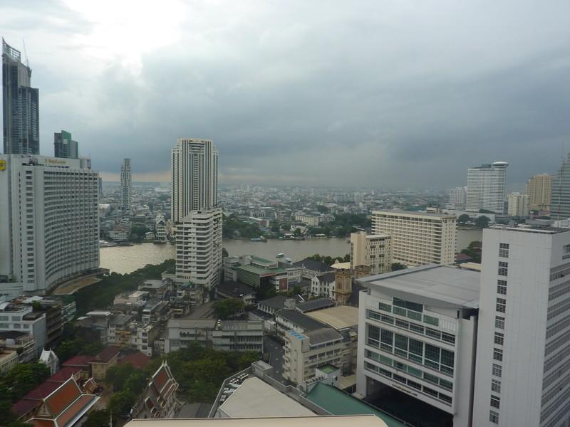 """La vue depuis le balcon de notre """"chambre"""" au Lebua Hotel"""