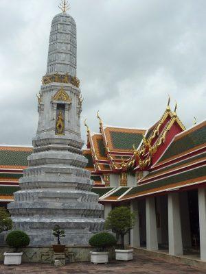 Une autre cour avant d'entrer au Wat Pho