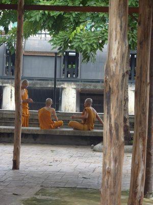 Non Loin D'une école Bouddhiste