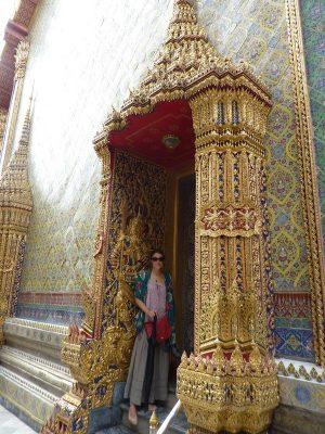 Dans Le Cloitre Du Wat Ratchabophit