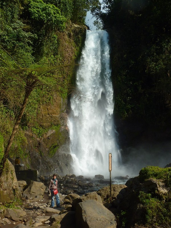 Gigit Waterfall