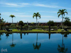 L'une des piscines du water palace de Tirta Gangga