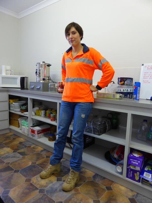 Mariette La Petite Employée De La Mine
