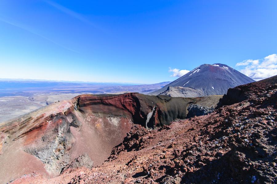 Les couleurs des roches volcaniques sont incroyables !