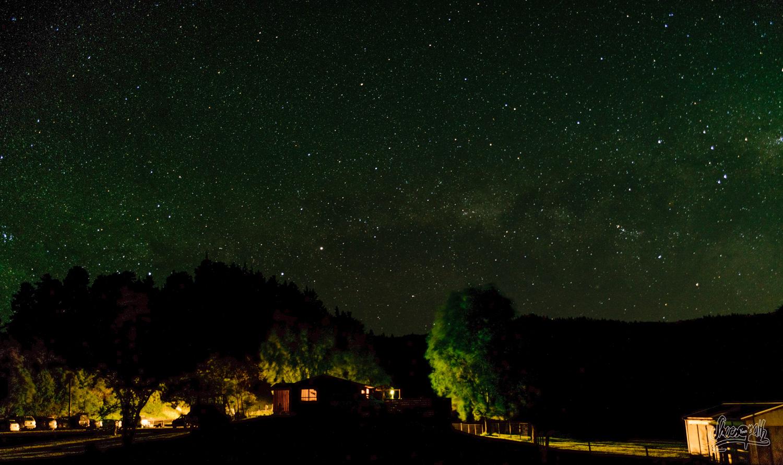 Le ciel étoilé au dessus du pub de Big Bush
