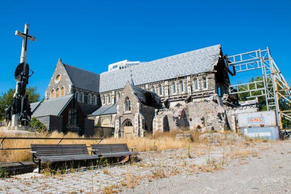 La Cathédrale De Christchurch, Toujours Détruite Et Soutenue Par Des échaffaudages