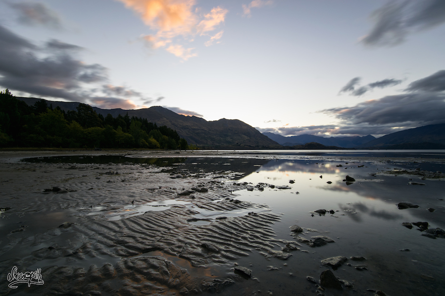 Coucher de soleil à Lake Wanaka, un peu plus tôt dans la soirée
