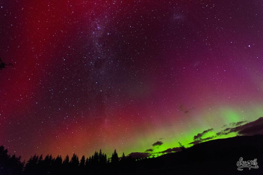 Tout le ciel de Wanaka s'illumine grâce aux aurores australes