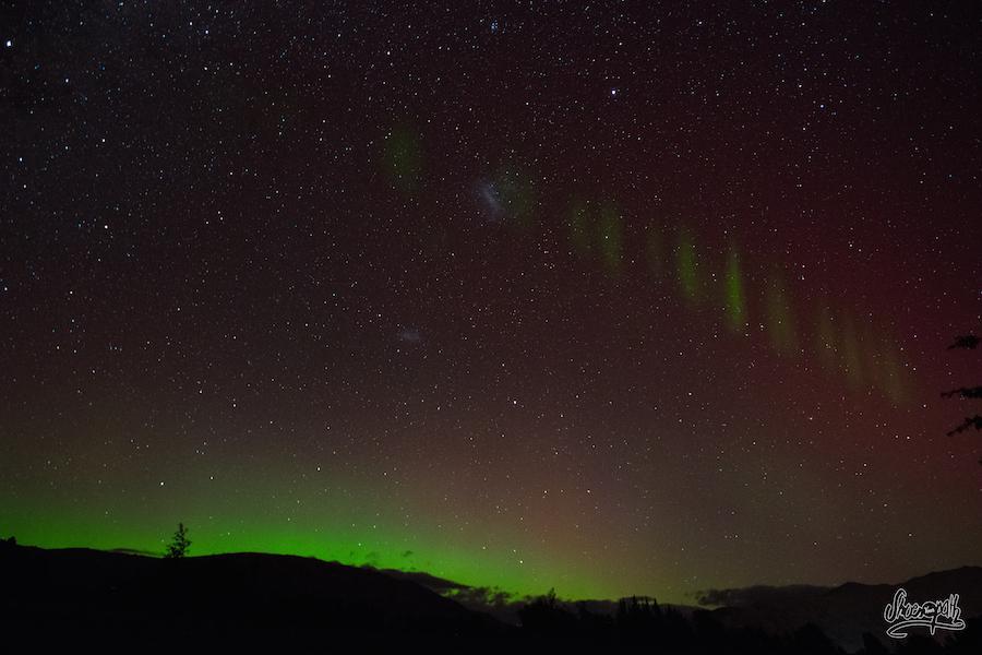 Vous Les Voyez Les Arrêtes De Poissons Dans L'aurore Australe ? Hein, Dites, Vous Les Voyez ?