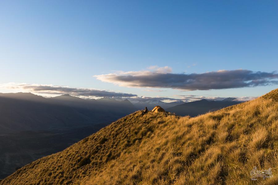 Les derniers rayons de soleils viennent caresser les sommets