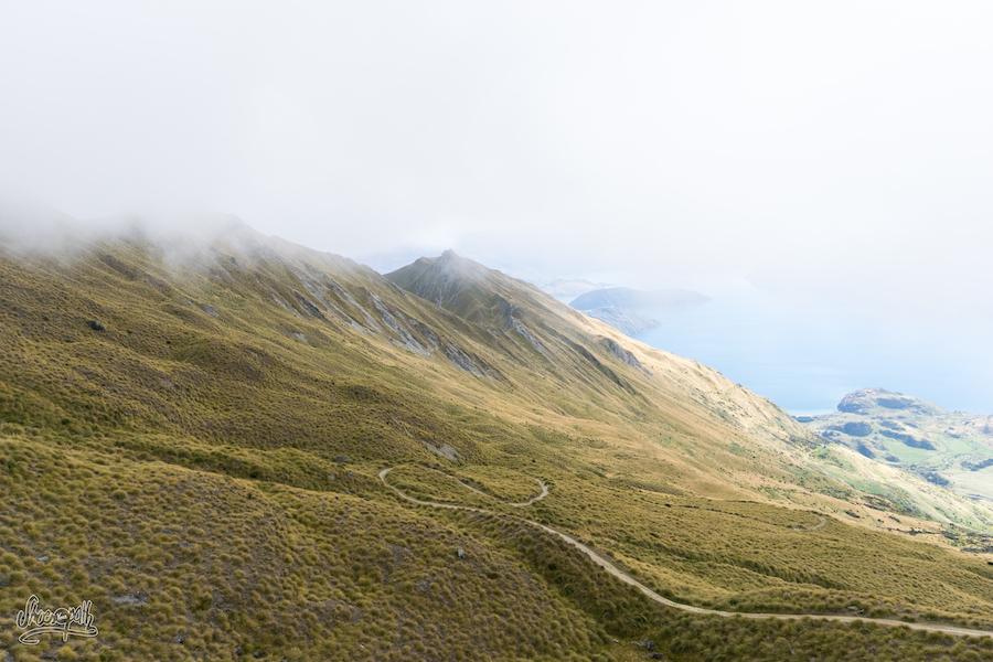 Le chemin restant à parcourir pour descendre de Roys Peak et revenir à Wanaka