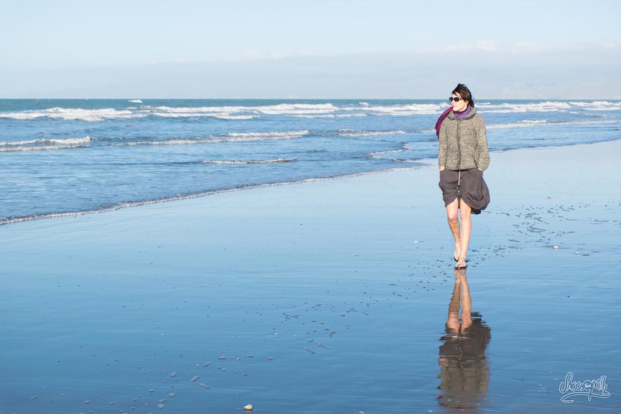 Et lorsqu'il faut tremper ses gambettes ou que l'on veut profiter du soleil, la Macabi Skirt peu se transformer en short !