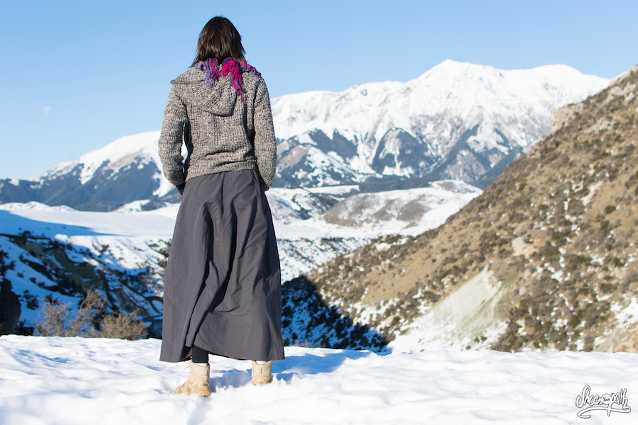 11- La jupe de voyage Macabi, modèle long couleur charcoal