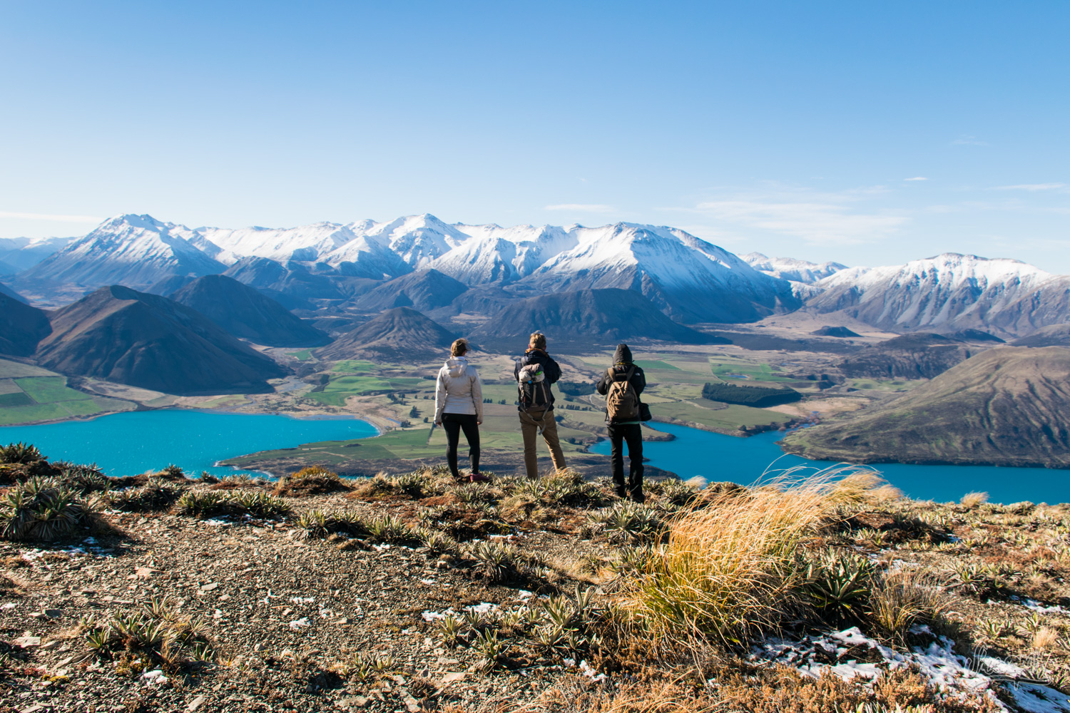 On top of Peak Hill, panorama over Lake Coleridge and the valley