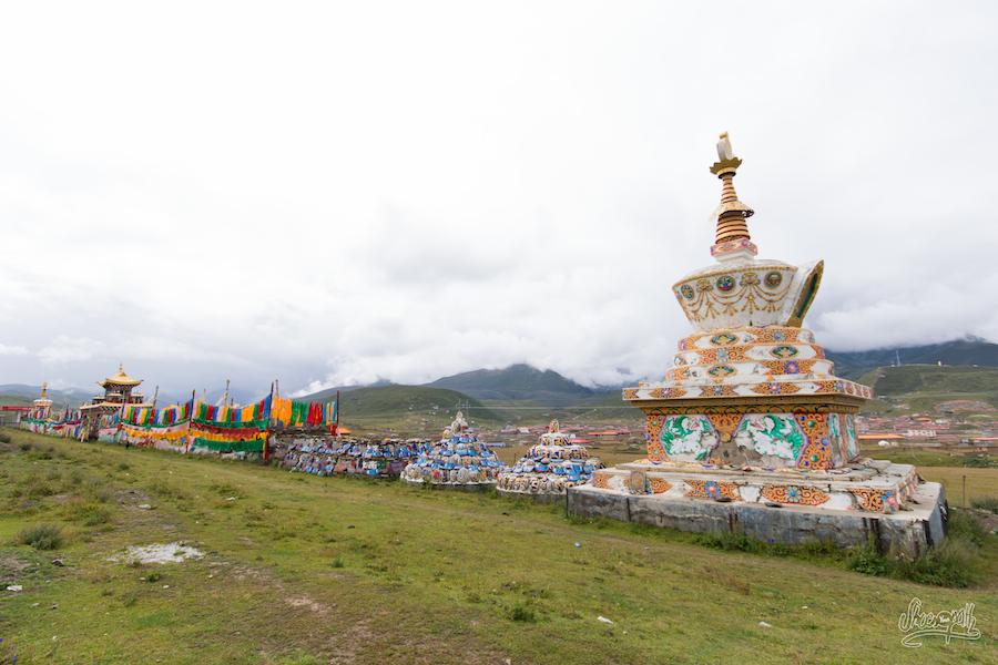 Sur Les Bords De La Route Entre Yushu Et Manigango