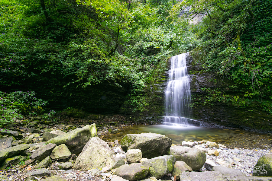 Les Cascades Jalonnent Le Parcours Et Nous Rafraichissent De Leur Eau Fraîche