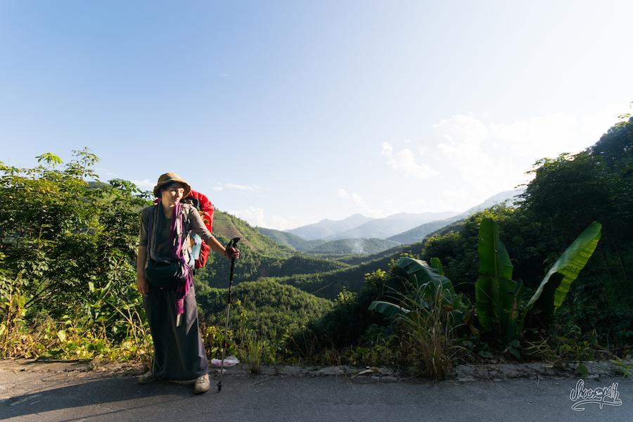 Sur La Route Dans Le Sud Du Xishuangbanna