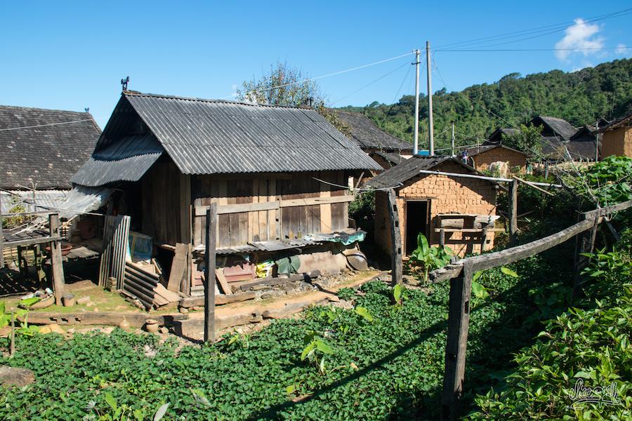 Dans Les Rues D'un Petit Village Du Xishuangbanna