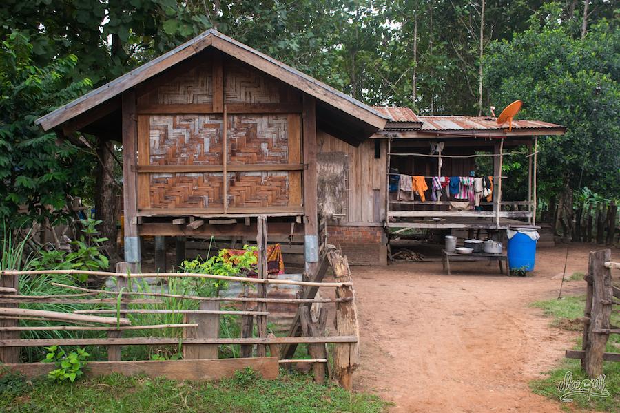 Maison D'un Village Du Plateau Des Bolavens