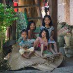 Quatres Soeurs D'un Petit Village Le Long Du Mékong
