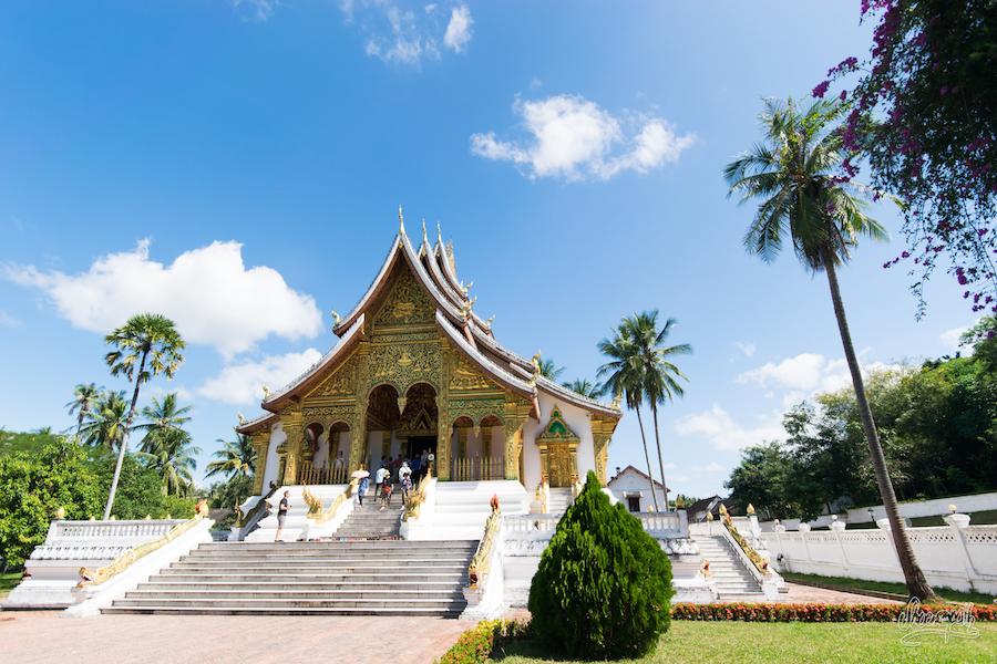 L'un des temples de l'ensemble de bâtiments du musée national de Luang Prabang