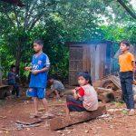Dimanche, Les Enfants Jouent Dehors