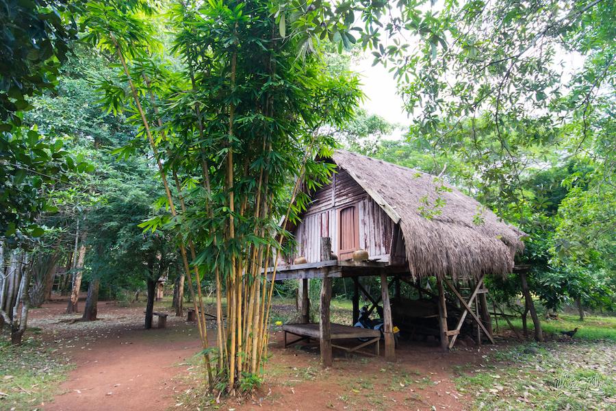 """Une des maisons du """"village ethnique"""" de Tad Faek... Aucun rapport avec ce qu'on a pu voir ces 2 derniers jours"""