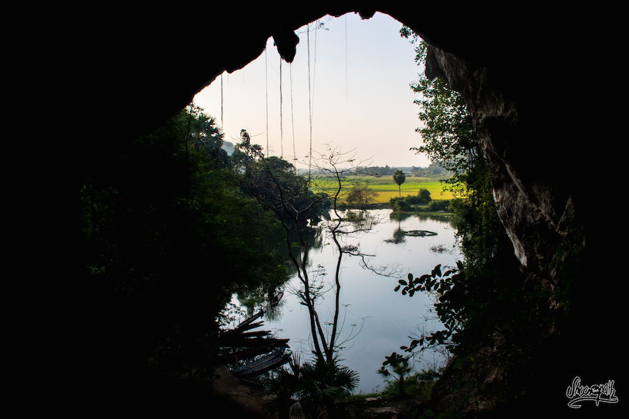 A La Sortie De Saddar Cave