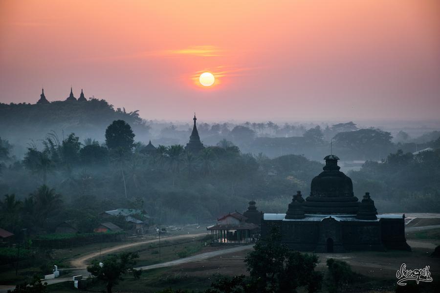 Entre lumières vives et pastel, le coucher de soleil à Mrauk U vaut le coup tous les soirs !