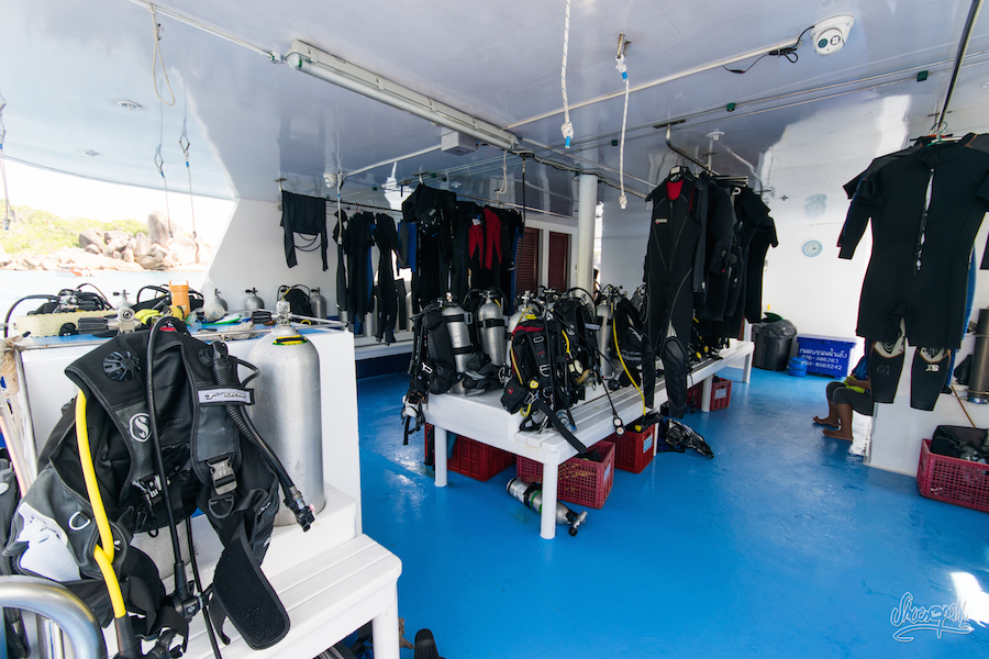 "Le ""Diving Deck"" Du Manta Queen 3"