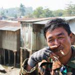 Un type heureux, souriant, venu nous montrer son cigare et causer 2 mots d'anglais avec nous.