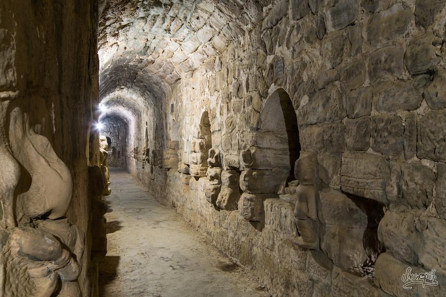 Dans Les Couloirs De Paya Hukkanthein