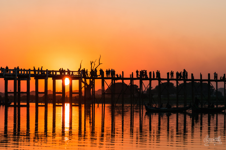 Coucher de soleil sur le pont d'U Bein