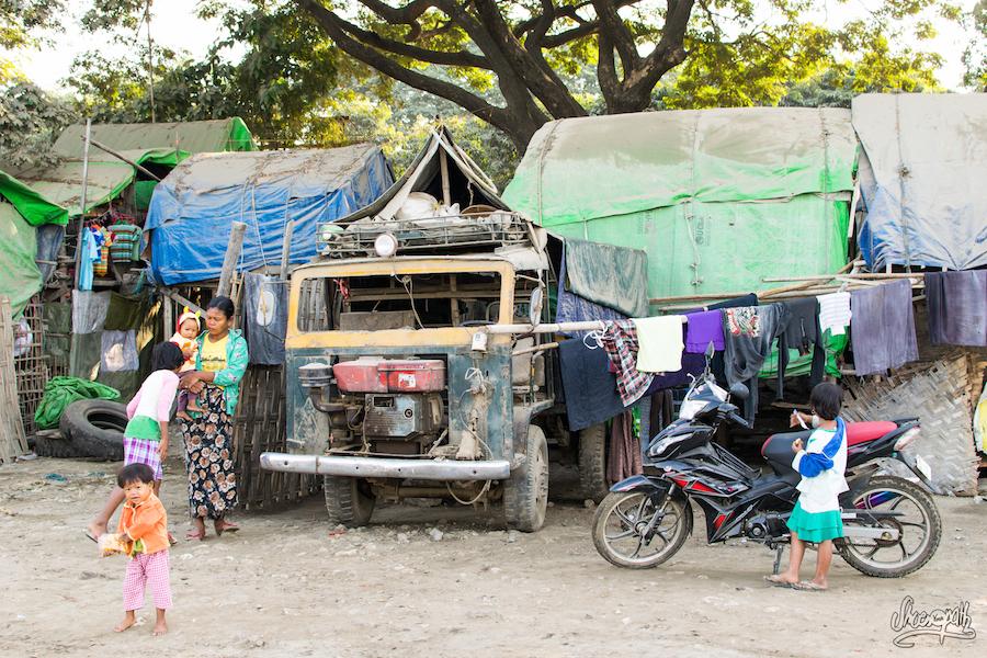 Logements sur les docks de Mandalay