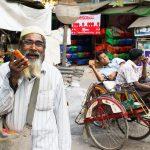 Un Muslman Bien Rigolo Avec Qui Nous Avons Discuté Dans Les Rues De Mandalay