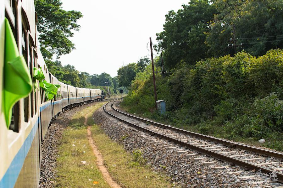 Sur les rails du Myanmar