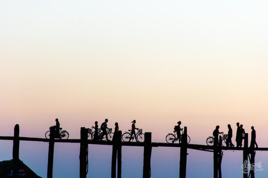Dernières lueurs du jours sur le pont d'U Bein