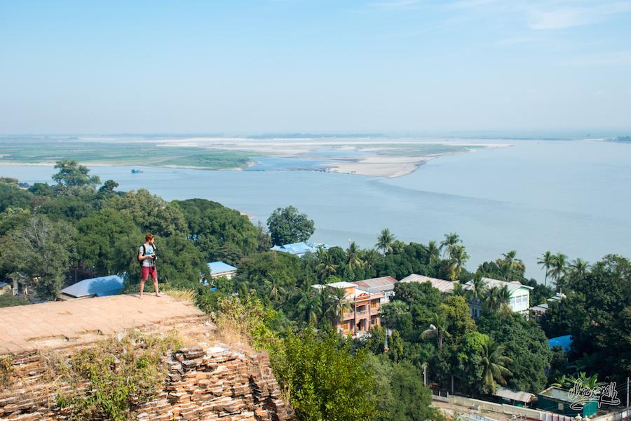 La vue depuis le toit de la pagode de Mingun