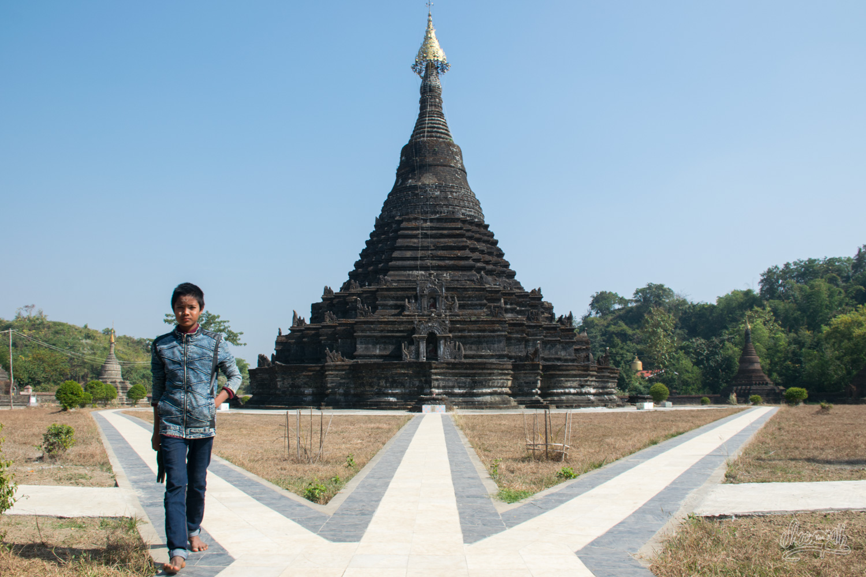Sakya Man Aung, une des pagodes de Mrauk U