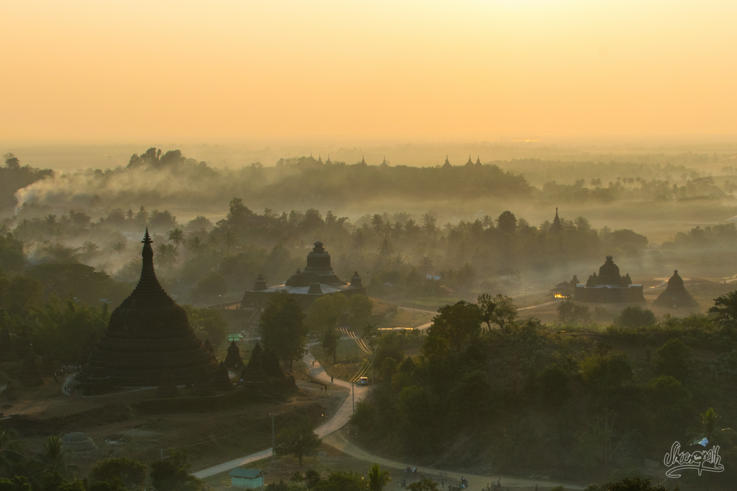 Myanmar – Ngapali Beach And Mrauk U