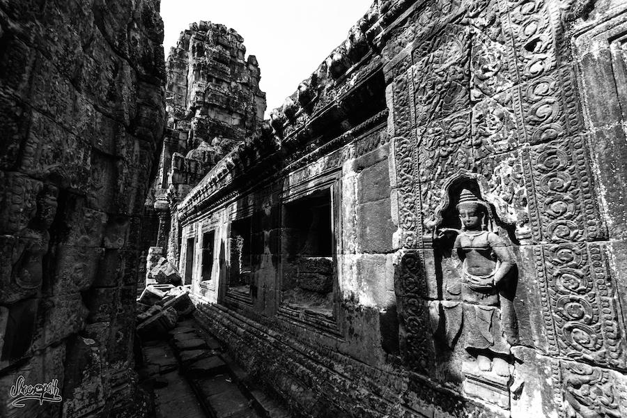 Dans Les Couloirs De Banteay Kdei