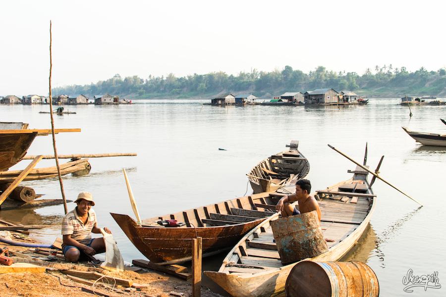 Prêt à Embarquer Vers Le Village Flottant De Kho Trong