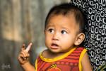 Petit Bambin Dans Un Village Cham