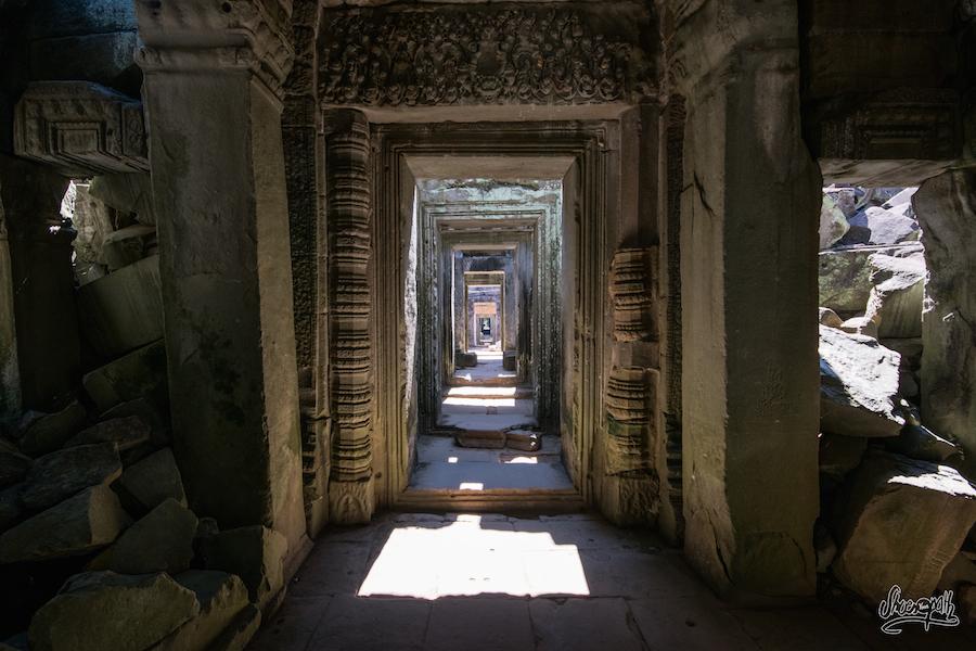 Des Portes, Des Portes, Des Portes, Au Preah Khan