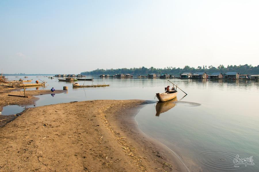 En arrivant au village flottant de Kho Trong