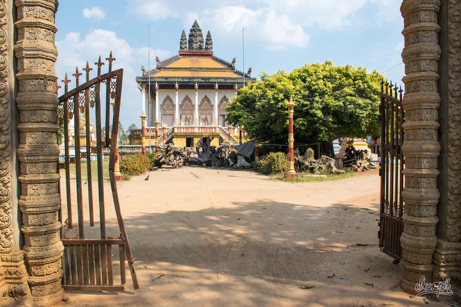 Joli Temples Sur Les Rives Du Mékong