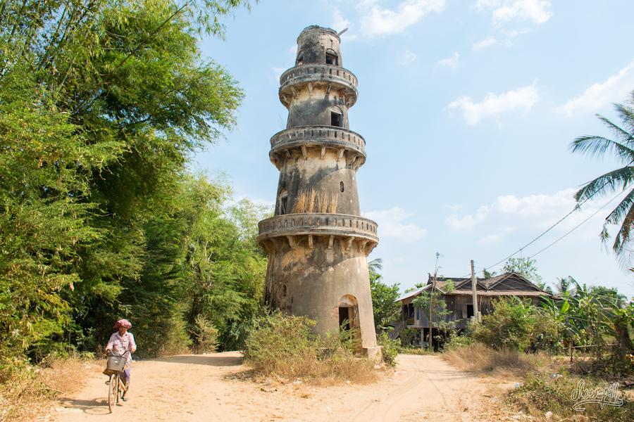 Vieille Tour Abandonnée Quelque Part Sur Les Bords Du Mékong