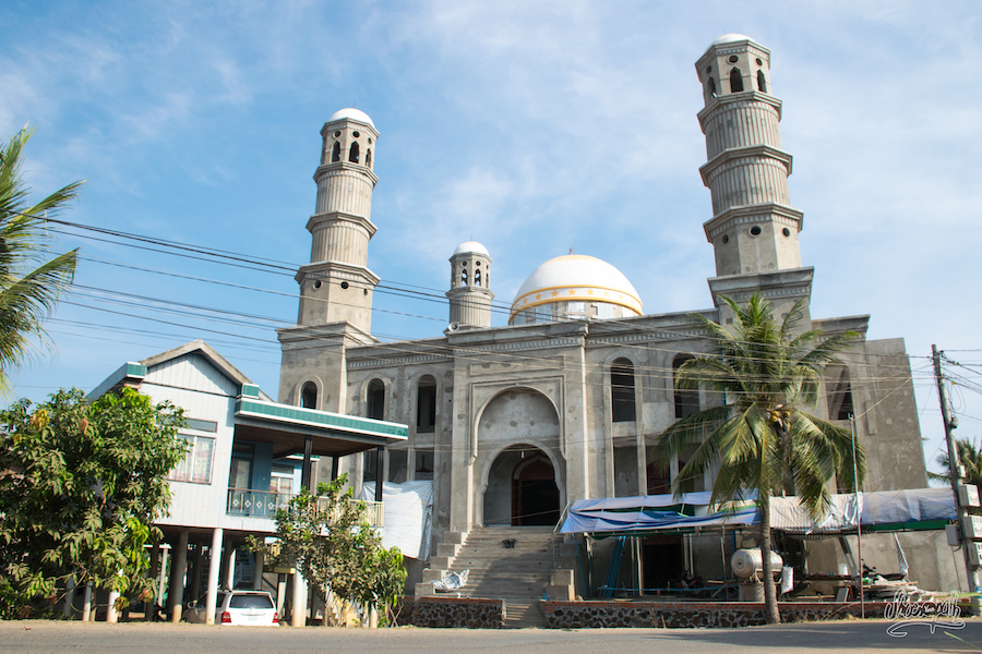 Mosquée en cours de construction