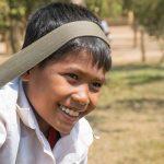 Un Jeune Khmer à La Sortie Des Classes