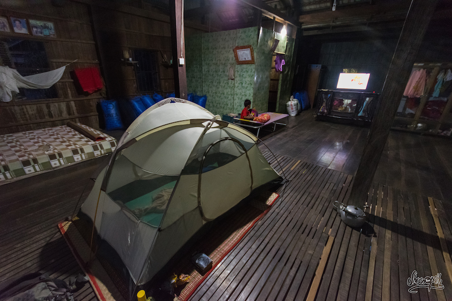Campement Dans Une Maison Cambodgienne
